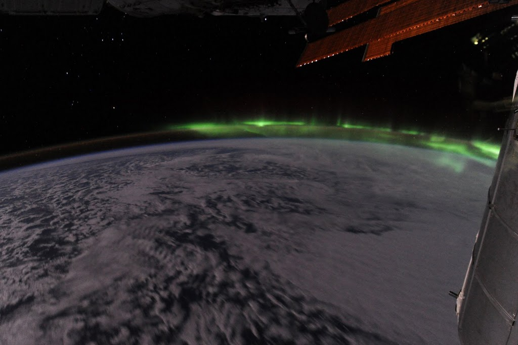 Aurora Borealis FROM SPACE, taken by Ron Garan. Click on the photo to go to the original.